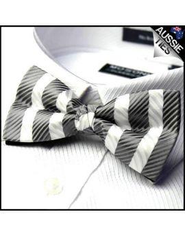 Black & White Zig Zag Stripes Bow Tie